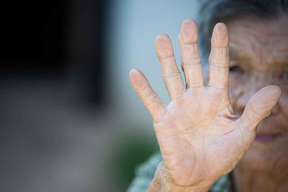 higher risk from the coronavirus old men and women - Webshealth